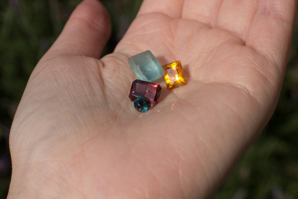 loose-stones