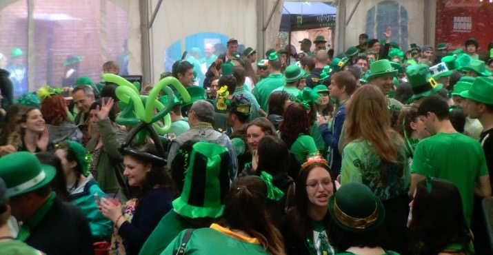 """Clearly a green and rousing crowd, this pic from 2017's LepreCon should give any """"newbies"""" full confidence to dress up in spades. Image Courtesy: Portland Society Page"""