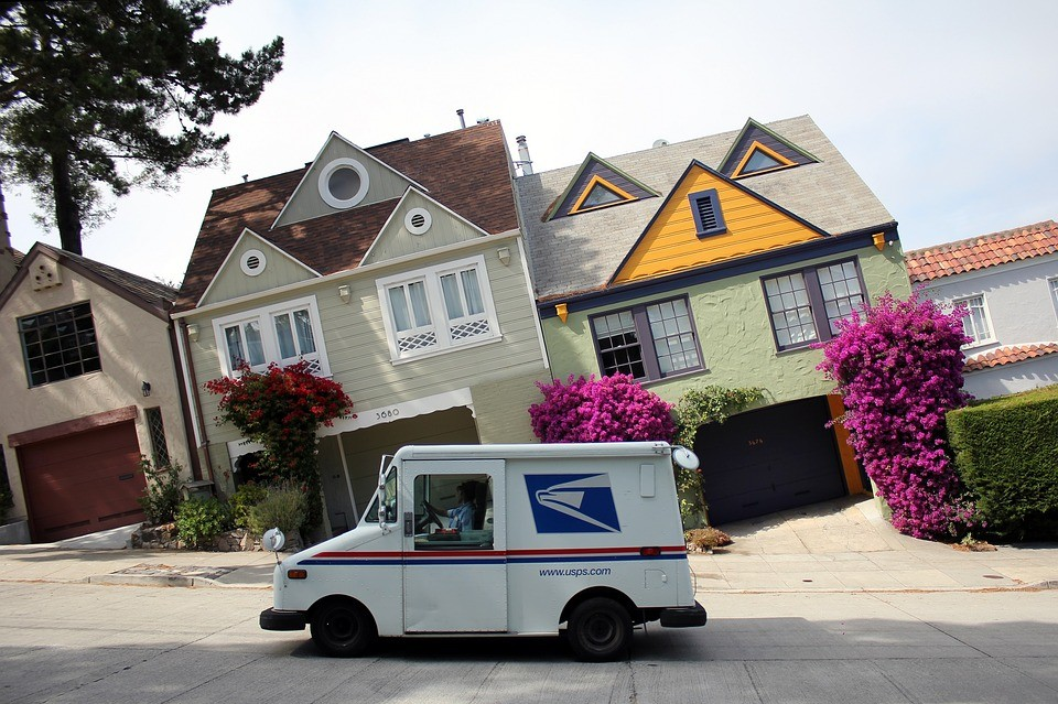 Trick for the mail carrier, eh? Image Courtesy: Optics Mag