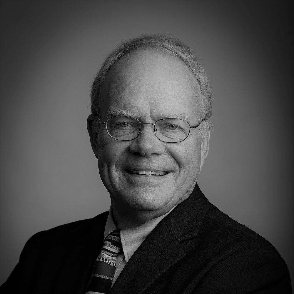 LARRY HOEKSEMA    City Born:  Muskegon, Michigan   School Attended:  M. Arch. University of Wisconsin, Madison, School of Engineering, and IIT Chicago