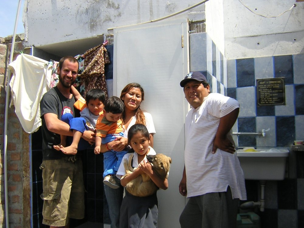 1 Grados Family.JPG