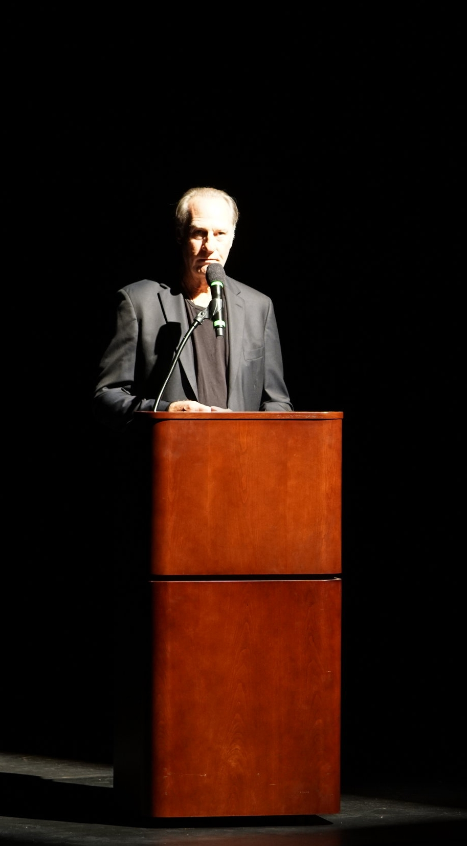 Emmy Award Winning Actor Craig T. Nelson reads The Firefighters Prayer