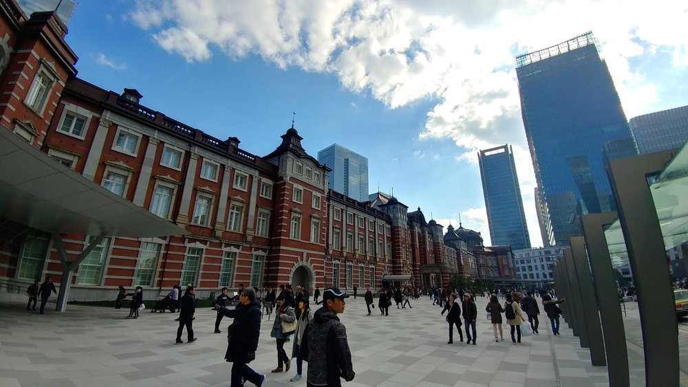 A gorgeous Tokyo station on a gorgeous December day