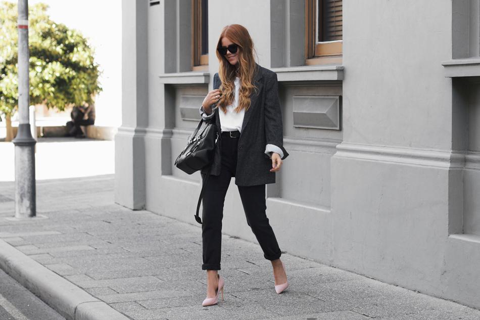 Το παντελόνι αποτελεί,φυσικά,αναπόσπαστο κομμάτι του φθινοπωρινού στυλ και ένα από τα πιο ευέλικτα items, με πολλές δυνατότητες για συνδυασμούς.