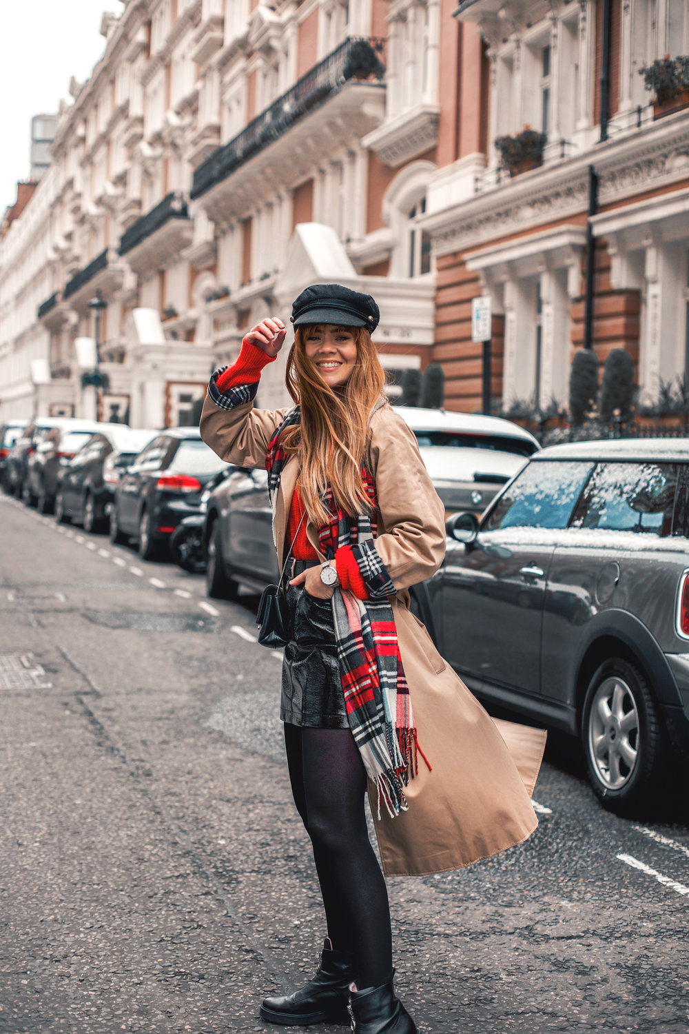 london-street-style-trench-coat-red-plaid_2.jpg