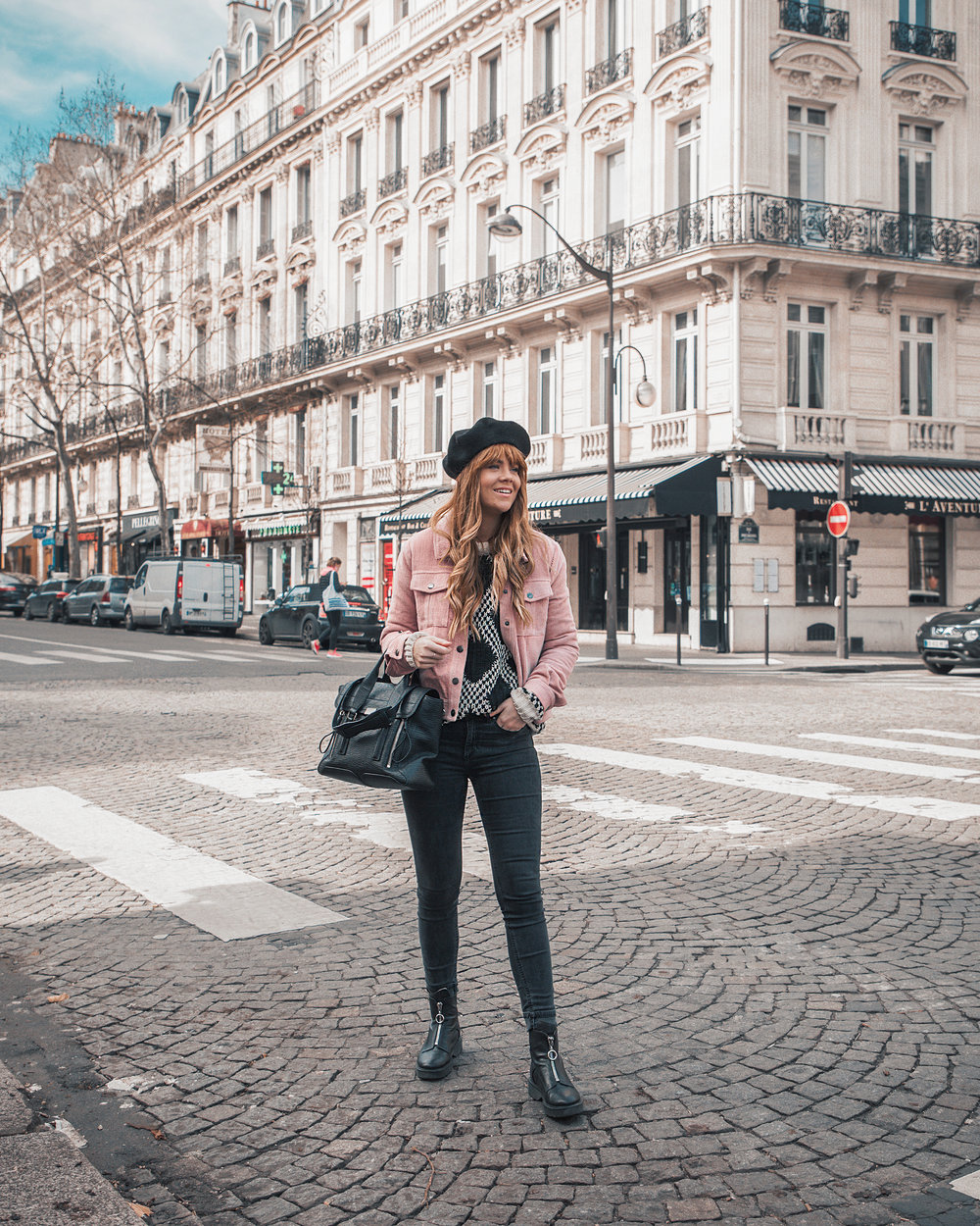 paris-winter-street-style-pink-jacket_6.jpg