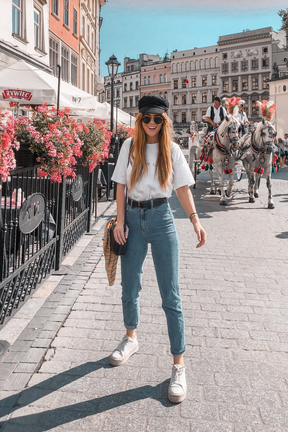lion-in-the-wild_3-europe-instagram-outfits-cluse_7.jpg