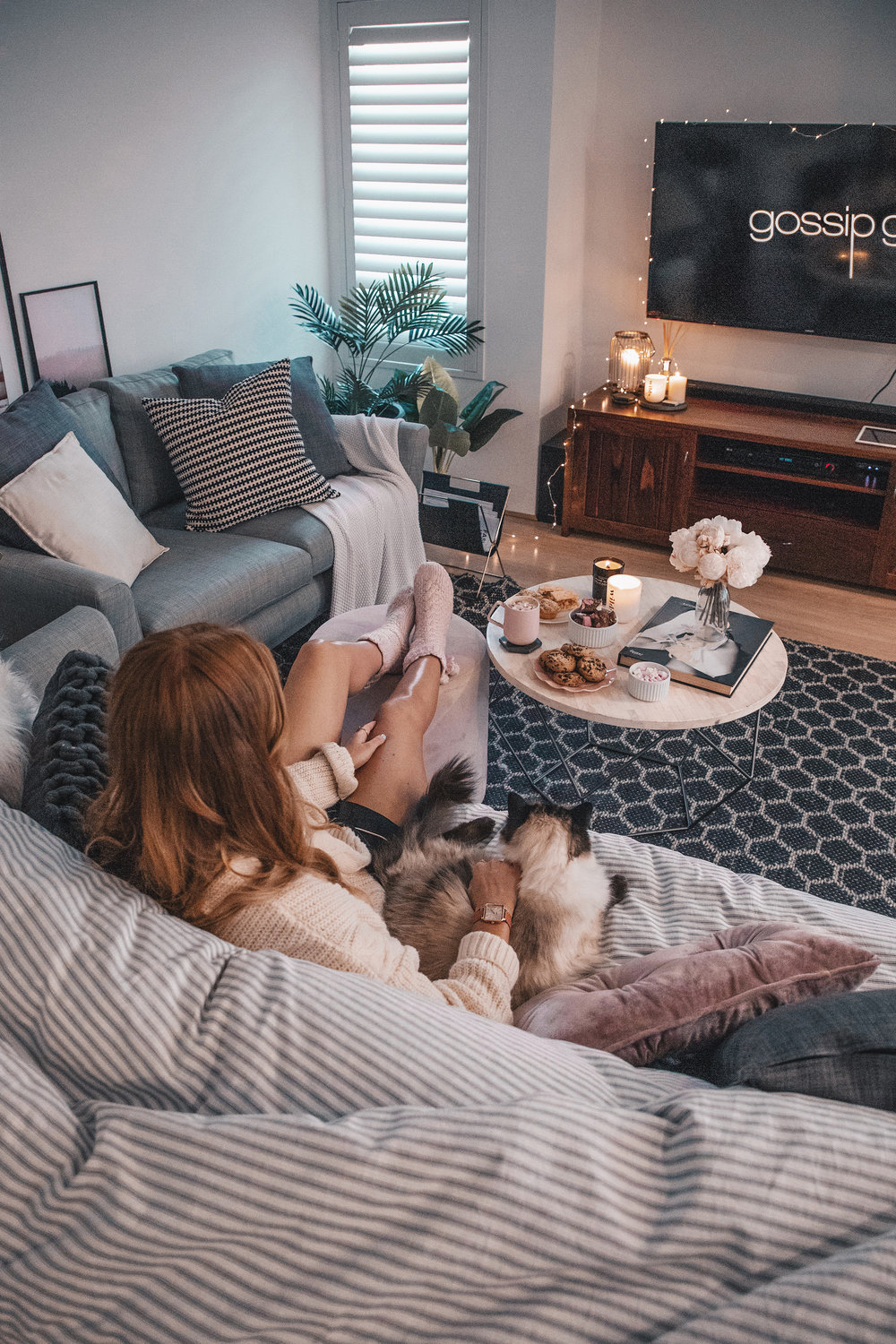 cluse_cosy-home-night-in_1.jpg