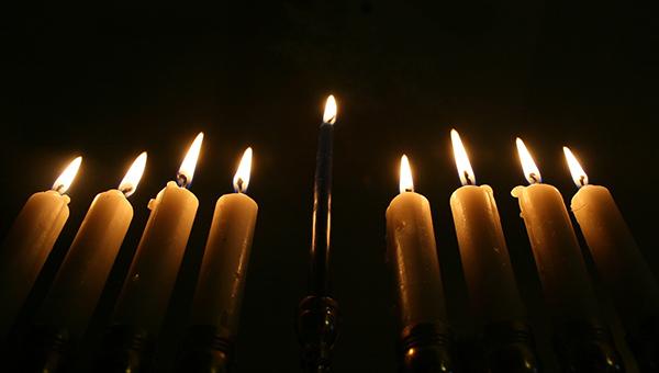 Hanukkah-Menorah-Lightin-del-mar-highlands.jpg