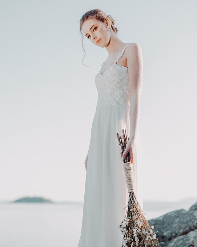 Photography: @harikaphotography  Styling: @h2.event  Designer: @littlepinkdressdesign @shophannahtikkanen  Hair and makeup: @vimobeauty_eva from @vimobeauty  Model: Charlie from @lizbellagency