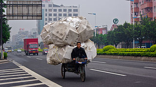320px-Overloaded_Tricycle.jpg
