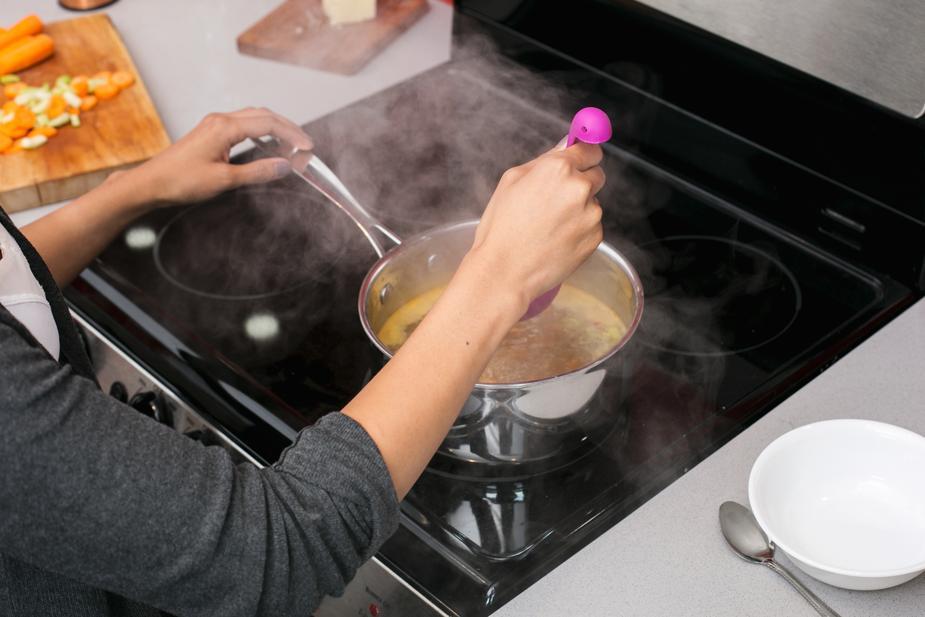 Tipp 3 - Eingebrannte Speisen entfernen
