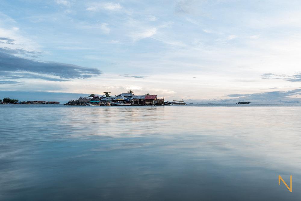 Sunrise over the inhabited islands of  Guna Yala .