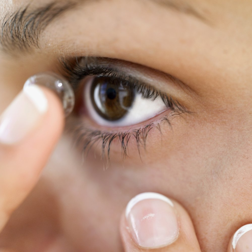 contact-lens-lens-application.jpg