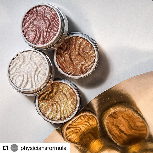 I don't think you guys understand how excited I am for these! I'll be doing a series of Butter reviews including  the Butter  Bronzers, Butter Blushes + Butter Highlighters in the blog 😍😍 Also, once I finish swatching  them I'll be doing a giveaway for the  Butter Blushes + highlighters ✨ Because some of the shades won't suit me so I rather give them away than have them sit on a shelf 🤷🏼♀️ #londonbeautyblogger #skincare #beauty #wakeupandmakeup #londonbeautyblog #bbloggeruk #smallbeautyblogger #smallbeautyworld #lovemakeup #beautyproduct #beautyproductreview #london #girlboss #girlbossmagic #iamlatina #latinabeautyblogger #bloggerlatina #latinosinlondon #americansinlondon #londonblogger #blogger #bloggerlife  #Repost @physiciansformula