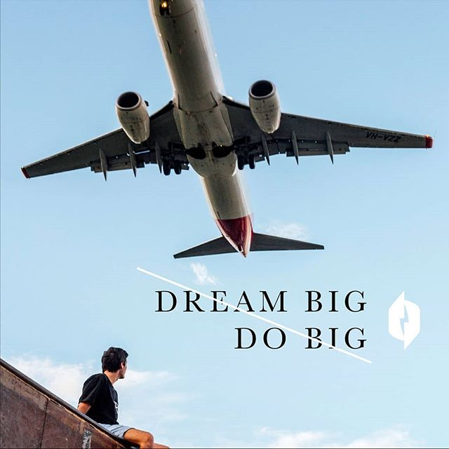 """""""When it comes to growth, building your network is fundamental. It's simple, but not easy and takes time and commitment. Make the investment today for greater return next year! As they say, your network is your net worth."""" -Will Zell, CEO of Nikola Labs  #dreambigdobig #network"""