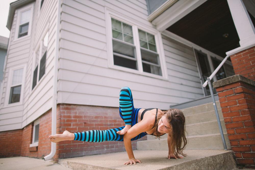 Liz Yoga high res-4251.jpg