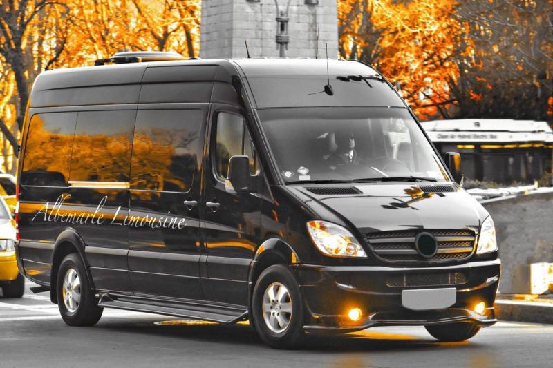 14+Passenger+Wine+Tour+Charlottesville.jpg