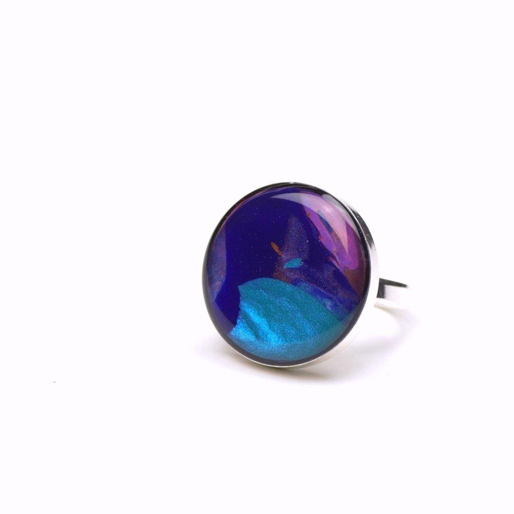 Multi colour round ring