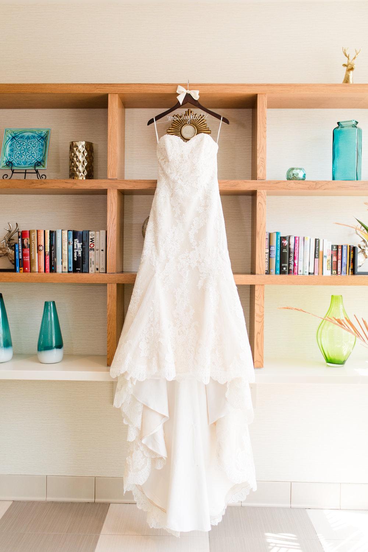bridal prep-15.jpg