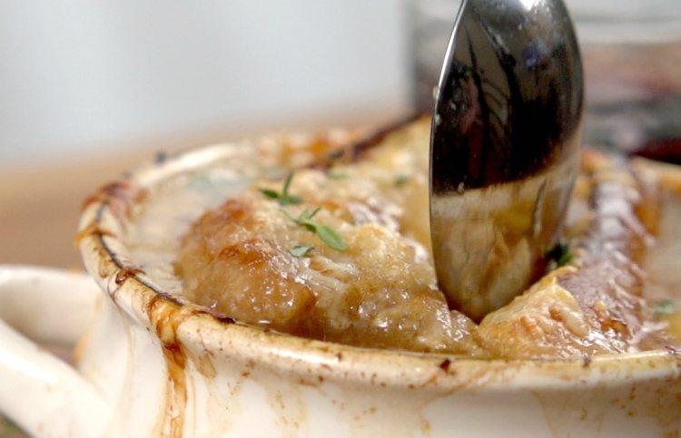 French-Onion-Soup-in-Slow-Cooker.jpg