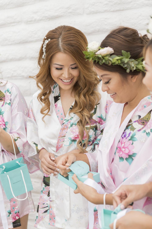bride_prep_0105.jpg