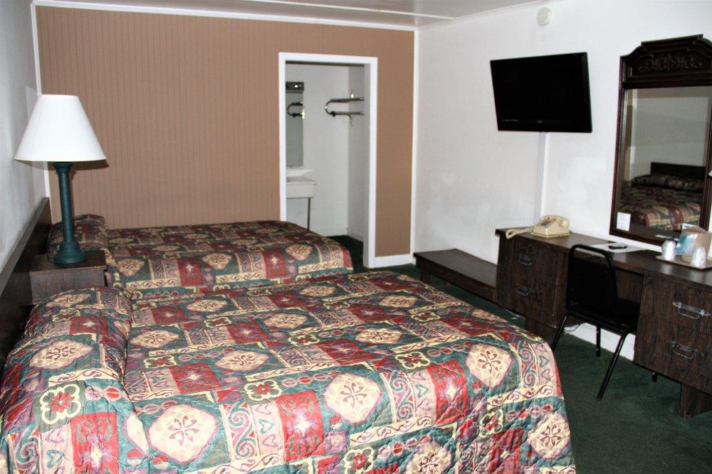 Parkway Inn 1.jpg