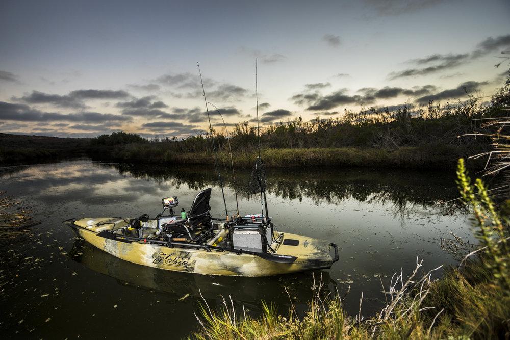 ProAngler14-studio-outdoor-camo-rigged-swamp-8209-full.jpg