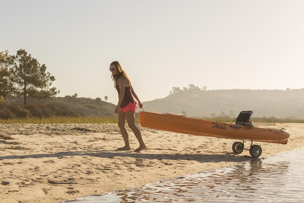 Quest11_action_female_papaya_beach_cart.jpg