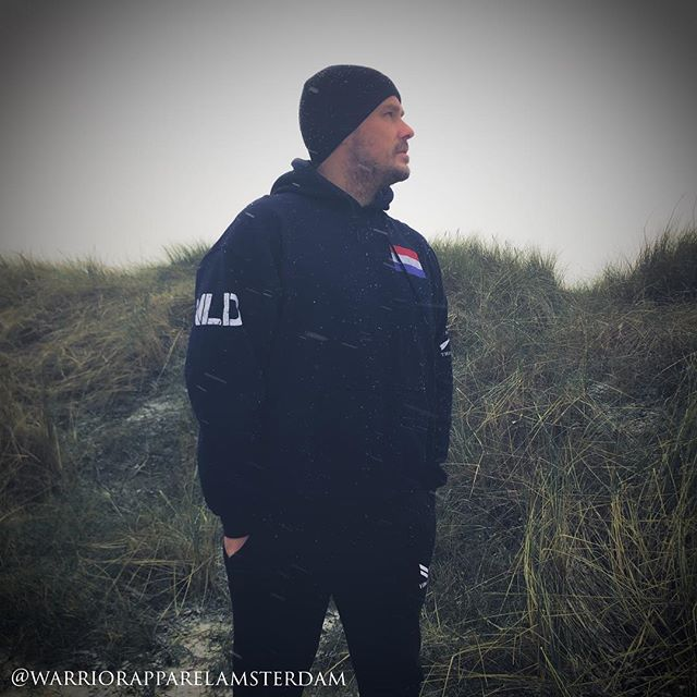 "Winter is coming ❄️ Nu beschikbaar ""THE THIN BLUE LINE"" hoodies 🇳🇱 bestel hem vandaag nog, op = op. Support het blauw ⚫️🔵⚫️ @gruntstyle 🇺🇸 Joggers by @vincerefitness 🤙 #fitnessmotivation  #warriorapparel #nederland #amsterdam #denhaag #instapolitie #newamsterdam #sportschool #gruntstyle #hoodies #haarlem #dinsdag #fashion #kleding #waakzaam #lifting #sneeuw #politie #valhalla #kleuren #winteriscoming #snow #vikings #thinblueline #thinbluelinesfinest #alkmaar #hoodies #blauw #lawenforcement #gop #wintersoldier"