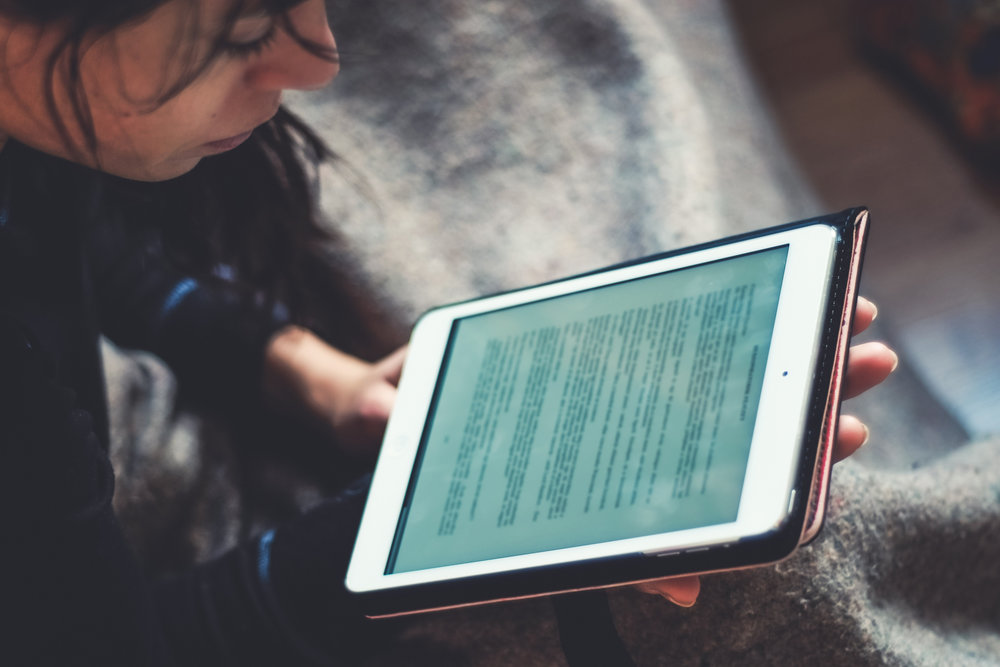 reading-ipad.jpg