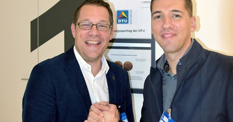 Dennis Sandig, head of the coach education program of the DTU, and INSCYD project leader Sebastian Weber