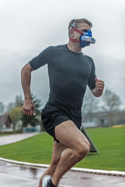 Measuring VO2 in the field using an entirely face worn Analyzer by  VO2master.com