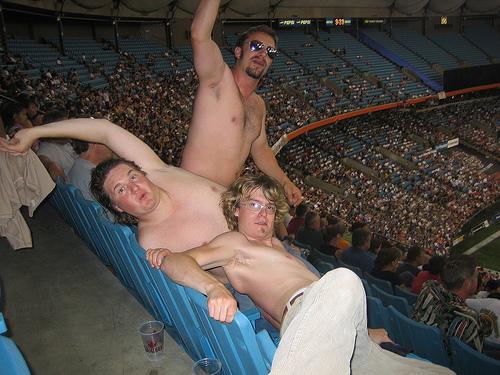 sadium-shirtless.jpg