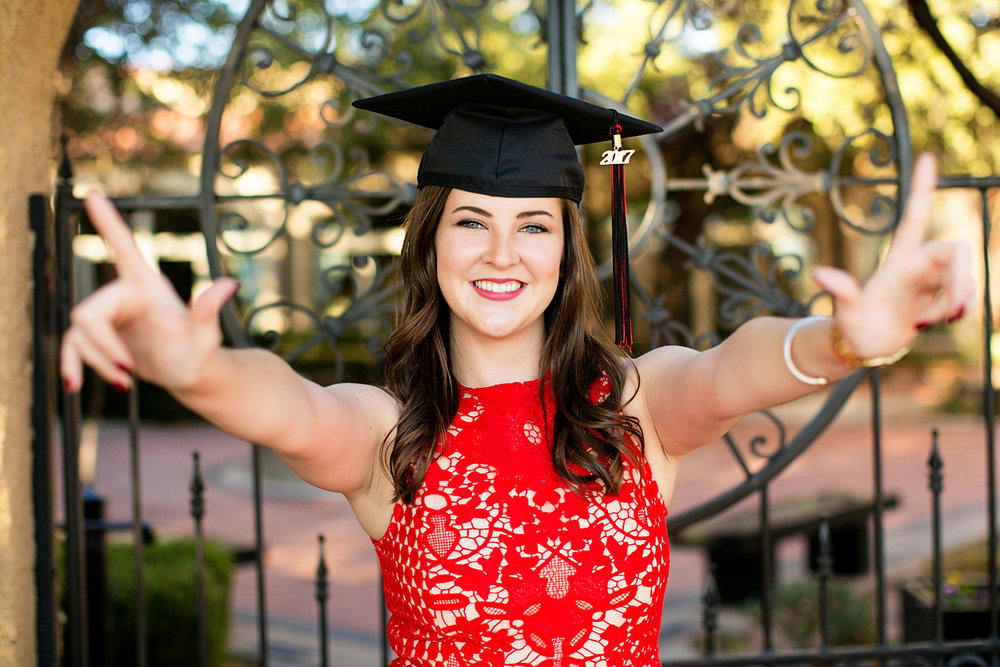linda-mcmillan-photography-senior-kaitlyn-texas-tech-graduation.jpg