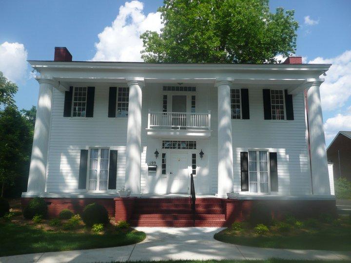 Bostwick-Fraser House 1.jpg
