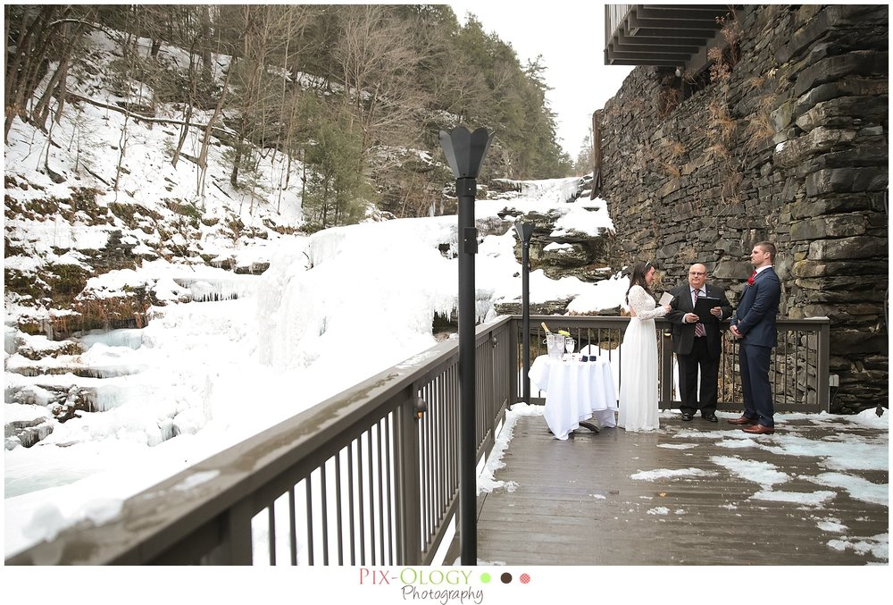 pix-ology photography wedding ledges hotel hawley