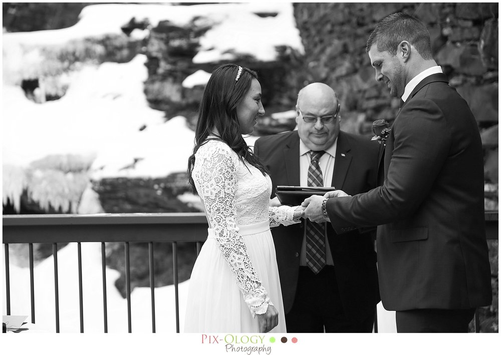 pix-ology photography wedding bride and groom winter wedding ledges hotel