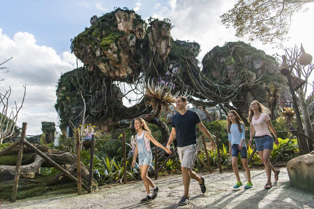 Vuela sobre un banshee en Pandora, del mundo de Avatar