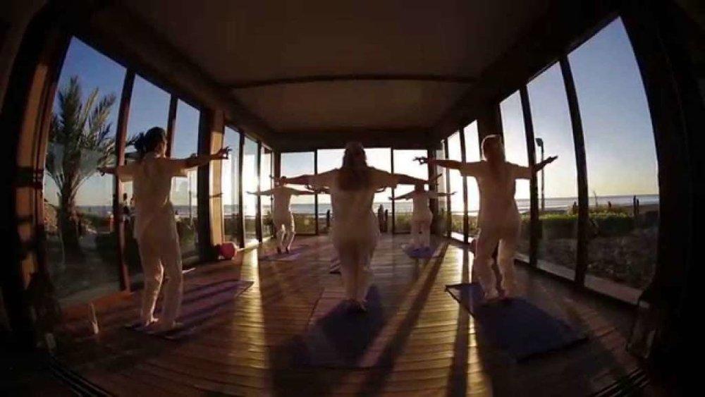 Paradise-Plage-Yoga-1-1024x576.jpeg