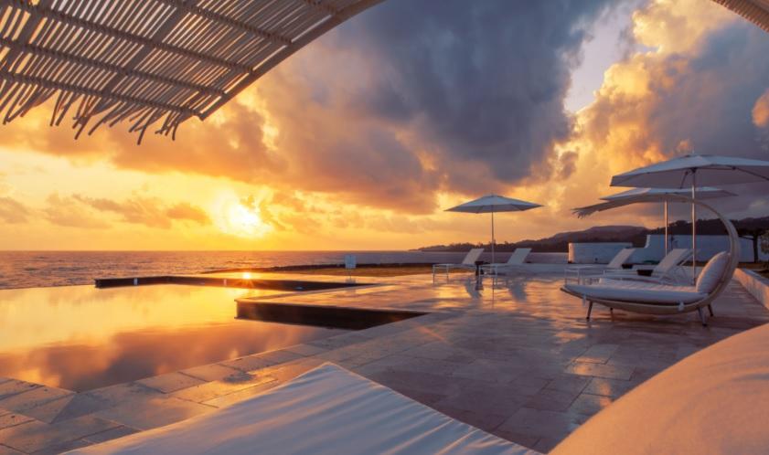Agua sin fronteras: Las mejores piscinas infinitas en Jamaica