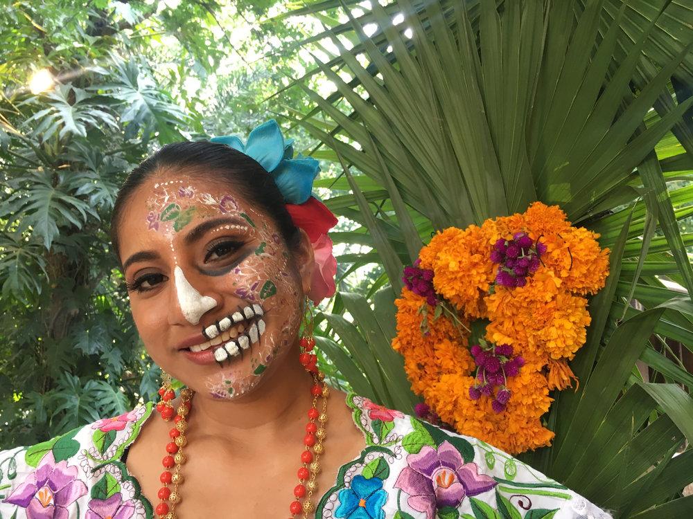 La Pareja Viajera en el Festival de Vida y Muerte de Xcaret.