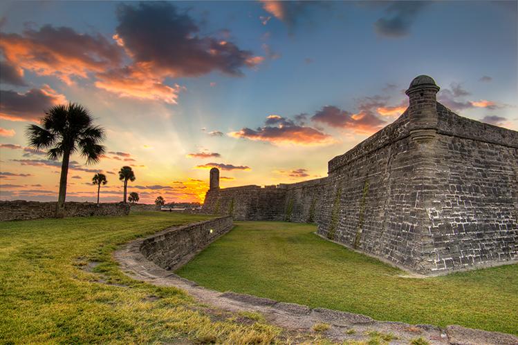 Castillo de San Marcos Sunrise.jpg