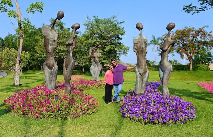 «Los Amorosos» Escultura inspirada en el poema de Jaime Sabines