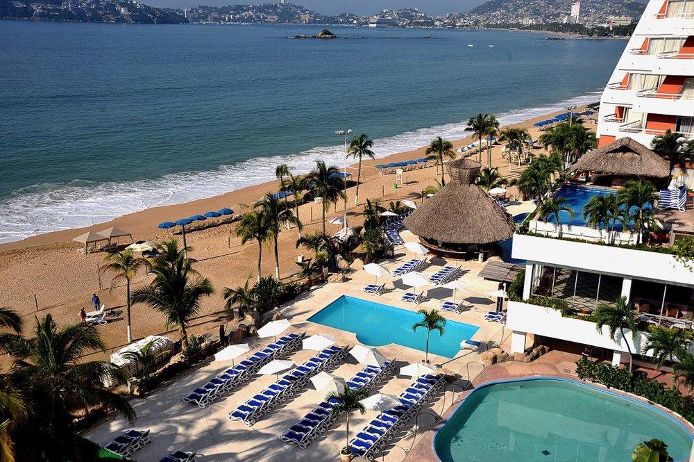 alberca HS HOTSSON Acapulco.jpg