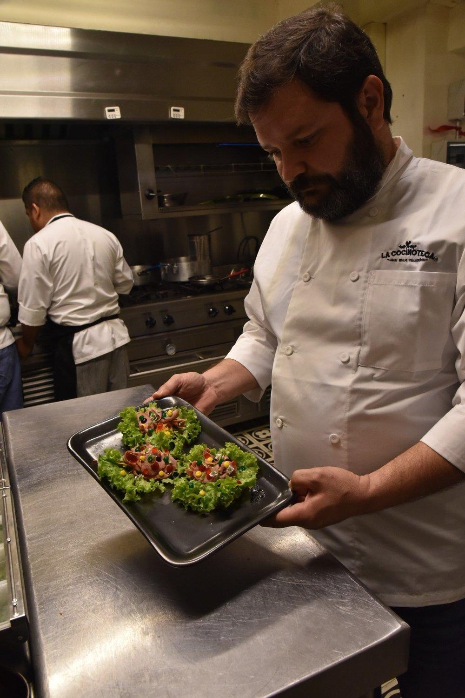 Chef Juan Emilio en La Cocinoteca. Foto de  @BetoLanz