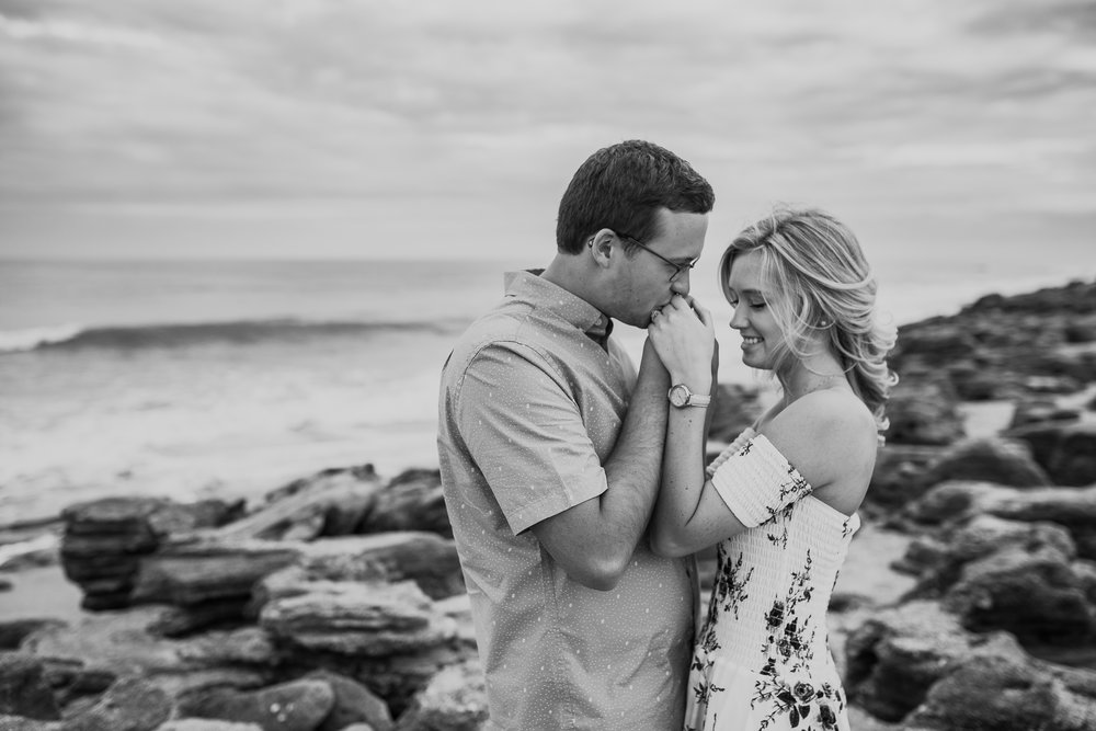 Daytona Beach Engagement Photographer, Washington Oaks Gardens engagement pictures