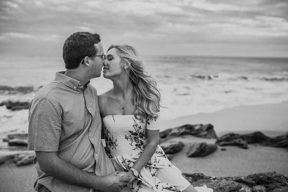 Daytona Beach Engagement Photographer, Washington Oaks Gardens and beach engagement pictures