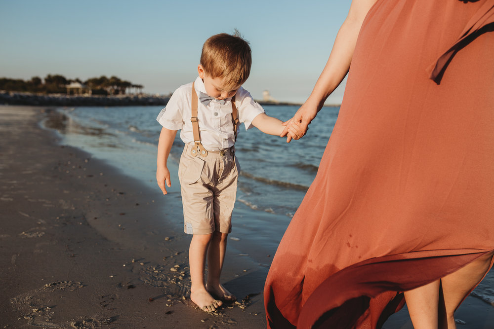 Daytona Beach and Ponce Inlet family photographer, what to wear for a beach photoshoot