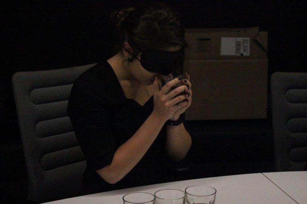 reward experience: wine in the dark - rewarding food experience storytelling